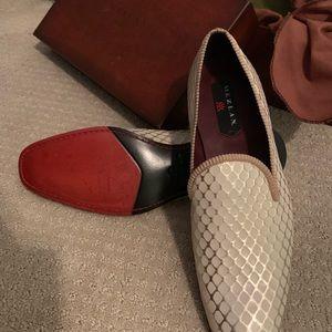 Mezlan Cream Loafers